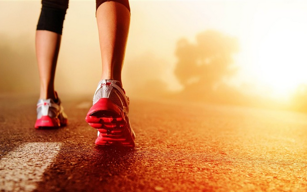 Ask The Fitness Psych: Morning vs. Night Runs and Pre-Race Mental Tips